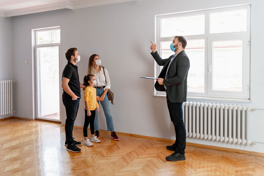 Consider Location, Size and Finances When Buying a Home on a Budget